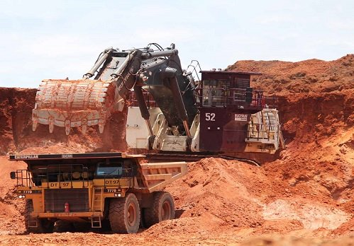 yeelirrie uranium tenements Yeelirrie south uranium project (e36/566, e36/567 and e36/568) the yeelirrie south project is located approximately 65 kilometres south west of wiluna, western australia and is approximately 10 kilometres south of bhp billiton's yeelirrie uranium deposit together the tenements cover approximately 430 square kilometers.